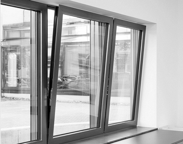ventana-abatible-aluminio